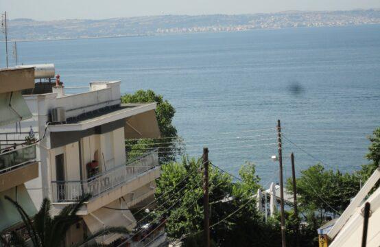 Selanik'te Kalamaria Bolgesinde Mobleli  Daire 113m2