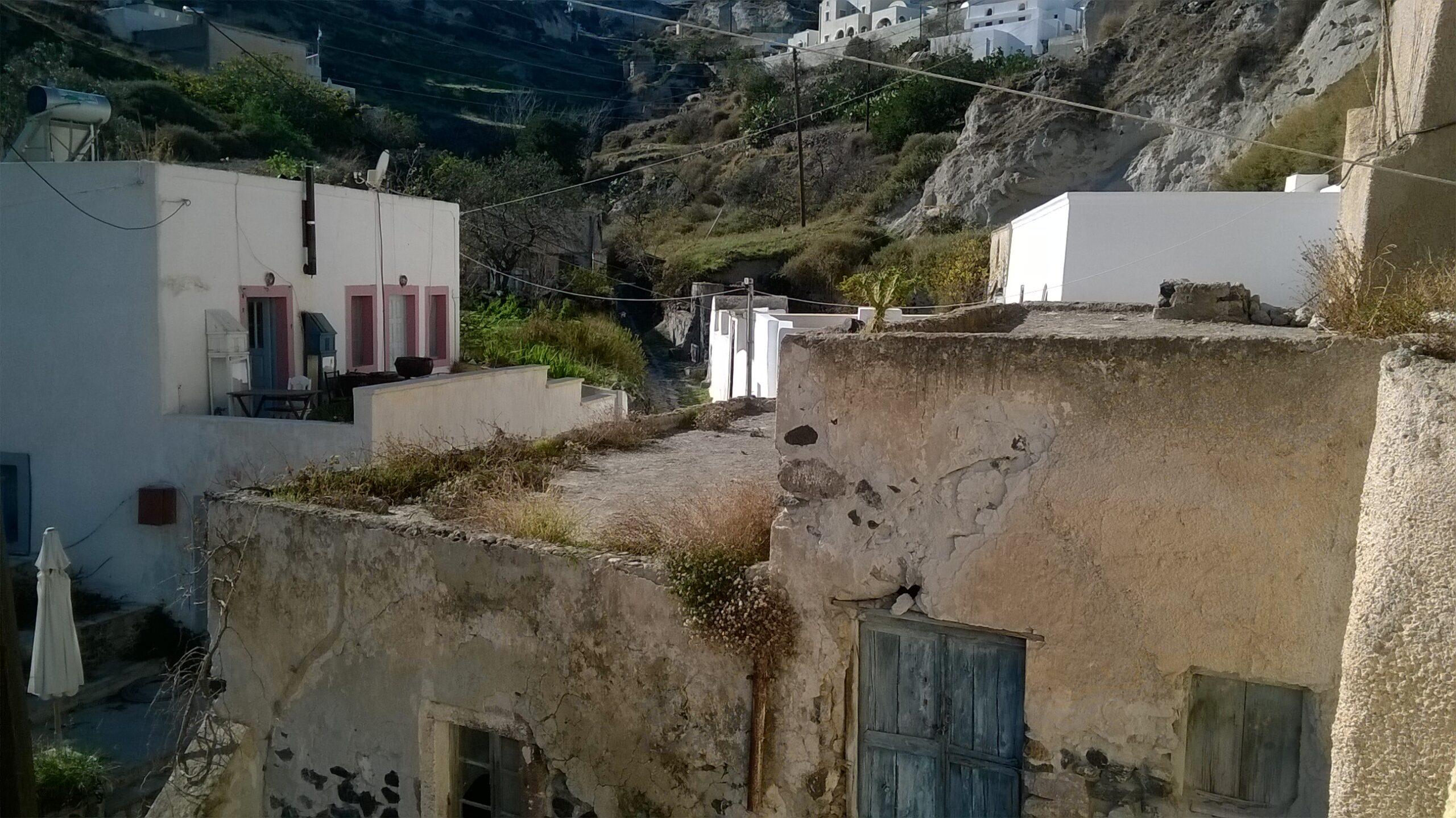 Santorini de Thira'da Mustakil ev 131 m2