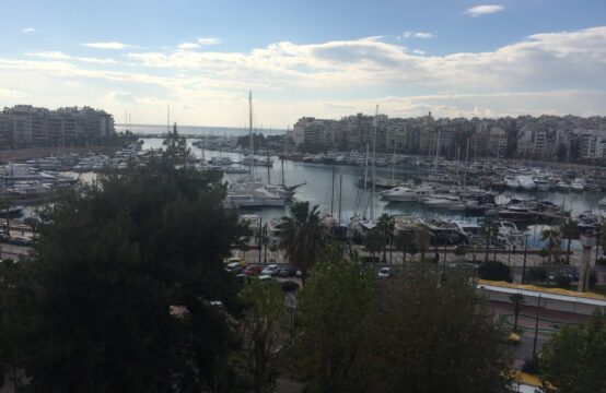 Atina Pire'da, Pasa limanin gobeginde Daire 123 m2