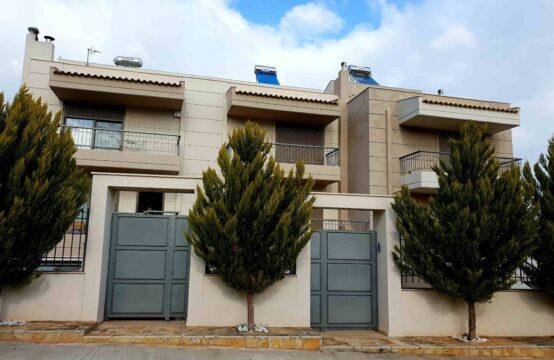 Atina'da Nea Makri bolgesinde Mezonet 170 m2