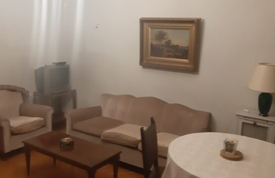 Atina'nin merkezi semtlerinden Patisia'da daire, 145m2