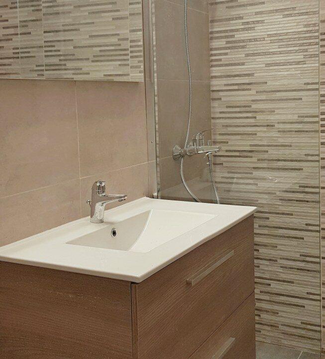 bathroom1_653x1200
