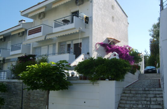 Halkidiki'de Kassandra bolgesinde Villa 90 m2