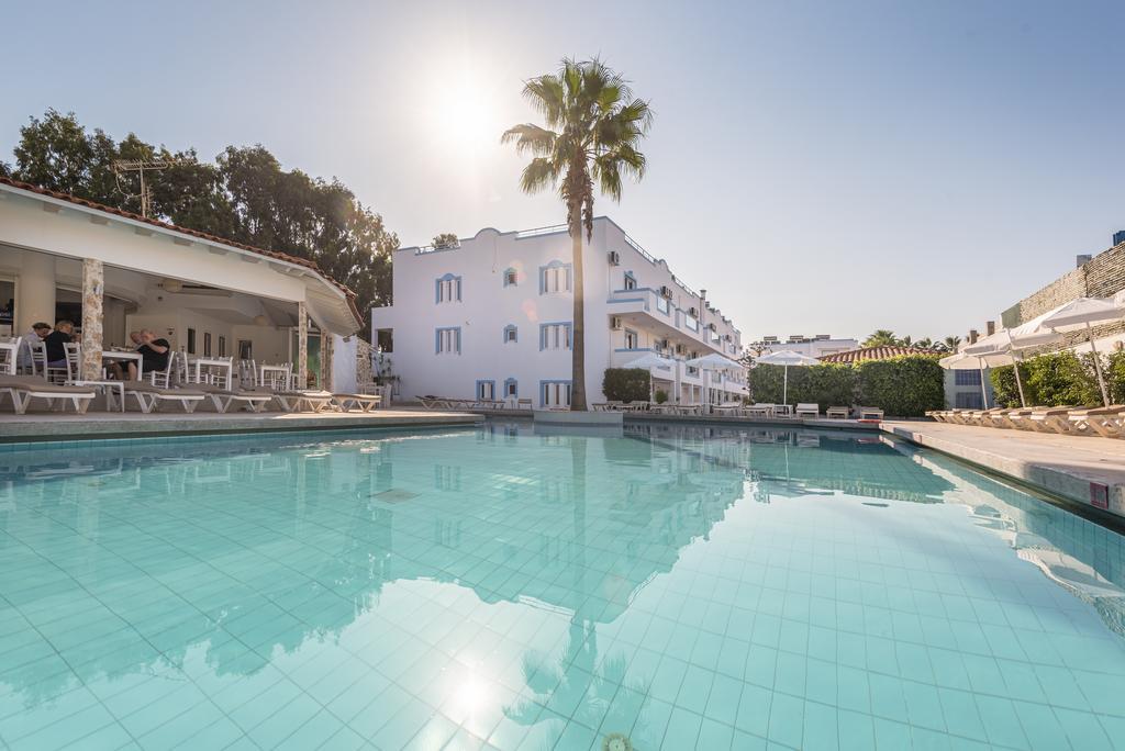 Kos Adasi'nda Merkezi ve Denize Yakin Satilik 4* Hotel ,3600 m2