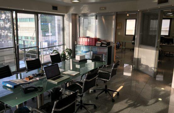 Ilioupoli'de Merkezi,Deniz Manzarali Modern Satilik Ofis ,115 m2